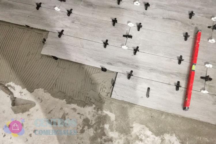 ¿Los Sistemas de nivelación para baldosas de grandes formatos funcionan?